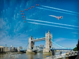 Concorde & Red Arrows over Tower of London Queens Jubliee - 16x12