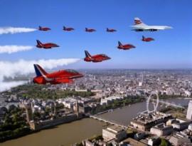 Concorde & Red Arrows over London - 16x12