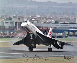Final Landing at Filton, Bristol 26-Nov-2003 - Signed 16x12