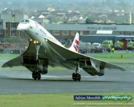 Final Landing at Filton, Bristol 26-Nov-2003 - 16x12