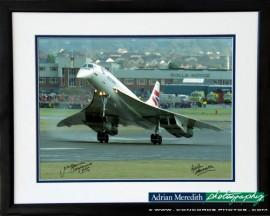 Final Landing at Filton, Bristol 26-Nov-2003 - Framed and Signed 16x12