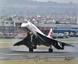 Final Landing at Filton, Bristol 26-Nov-2003 - Signed 16x12