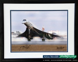 Last Landing BA002 at London Heathrow 24-Oct-2003 - Framed and Signed 16x12